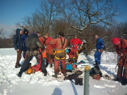 příprava na sestup do Priepasti na Žibrici (foto Niková)