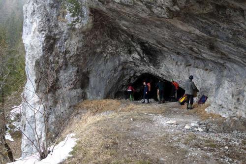Portál do jeskyně v Sokole