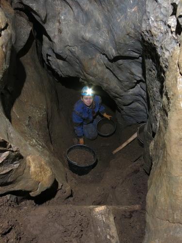 Honzova chodba, jeskyně V Jedlích
