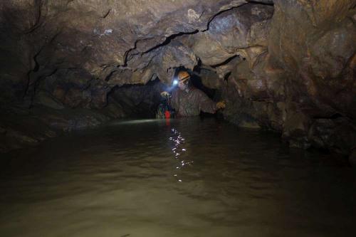 Zaplavený Alibek při čerpání