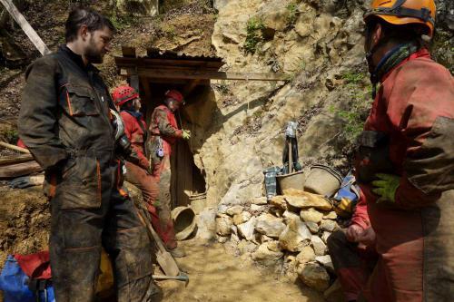 Pracovní akce v jeskyni Bonzákova sluj