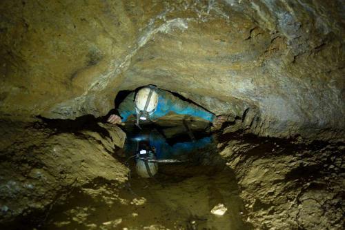 Odhodlaný Alda v Bábině jeskyni